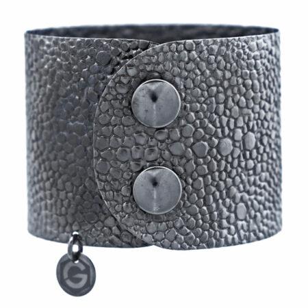 Silberne Damen Armspange, schwarz rhodiniert mit Druckknopf Sicherung