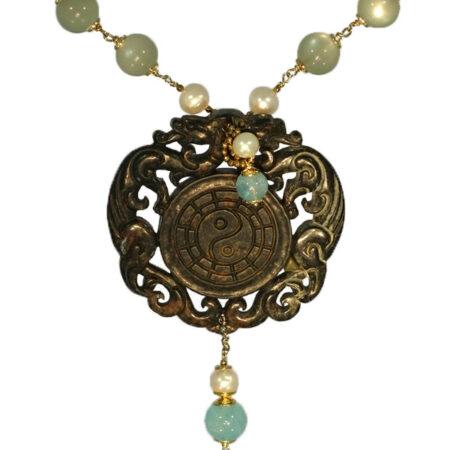 Kette mit Jade, Mondstein, Aquamarinen und Perlen