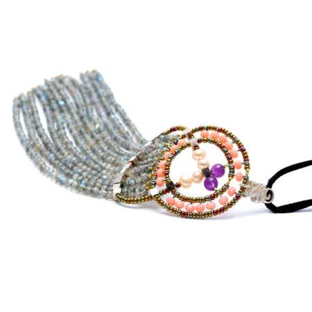 Halskette mit echten Steinen und Silber am Samtband