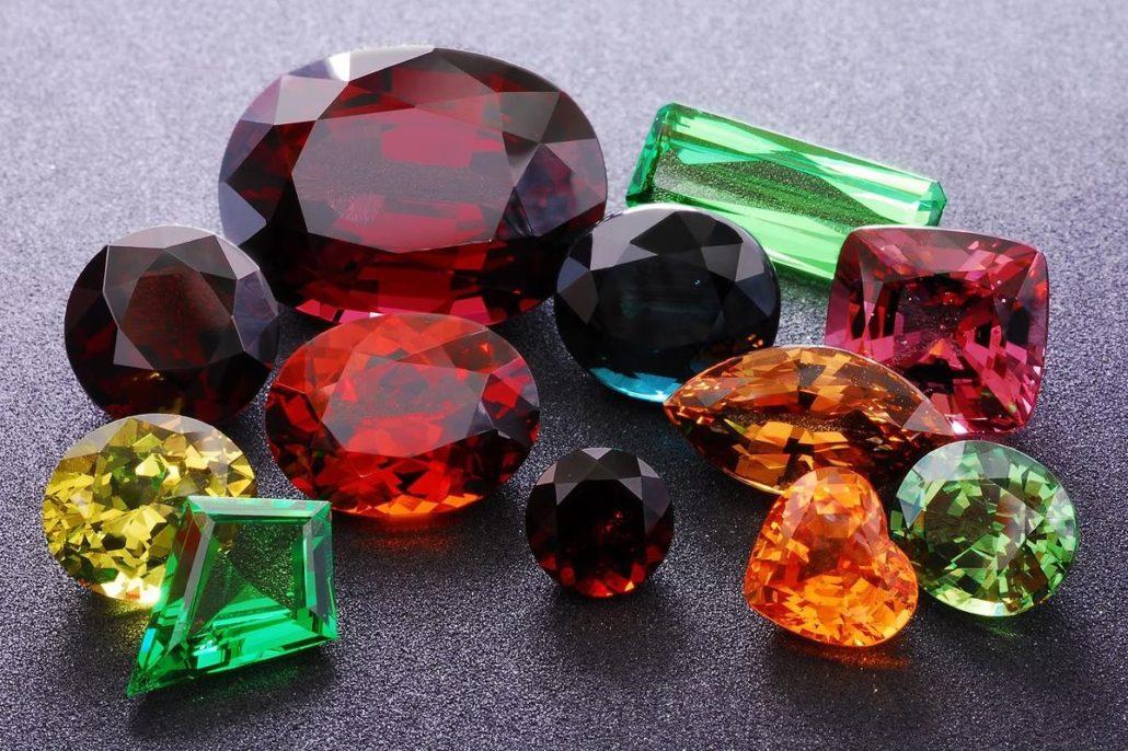 Eigenschaften der Edelsteine und Schmucksteine › GLAHN.GALLERY